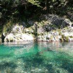 岐阜県の板取川は水が透明で川遊びに最適!